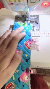 輪にして縫う